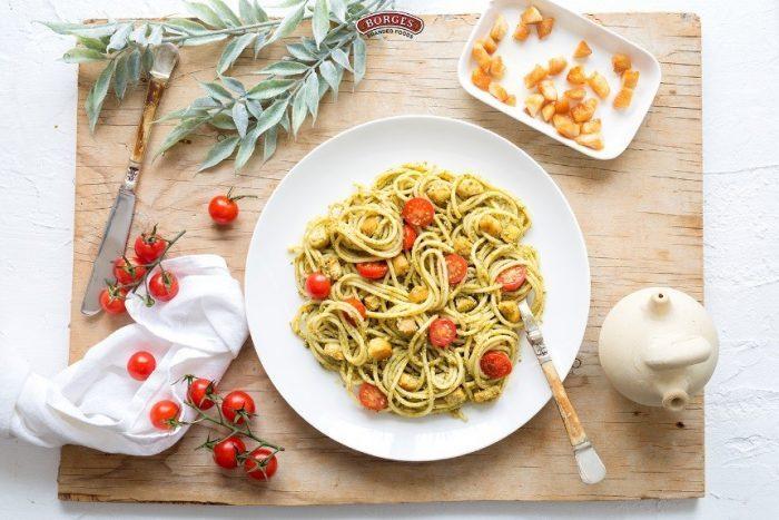 Špagety s pestom alla Genovese a kuracím mäsom