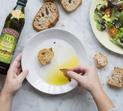 Extra panenský olivový olej - nevyhnutnosť v kuchyni