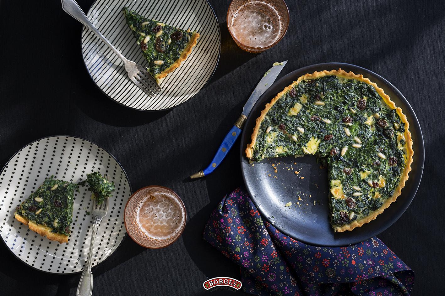 Špenátové quiche s hrozienkami a píniovými orieškami
