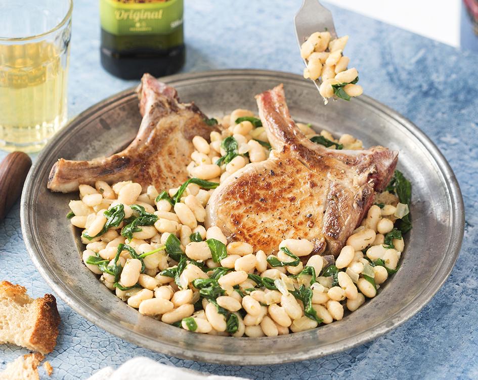 Bravčové kotlety so špenátom a fazuľami