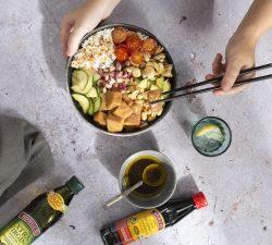 Poké miska s lososom, jednoducá poké bowl, foodblog